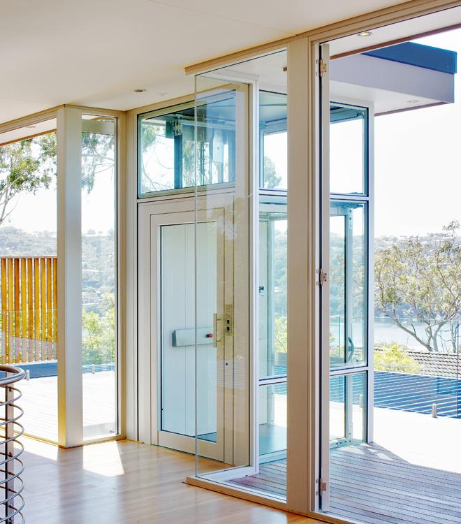 Le nostre installazioni: elevatore vetrato