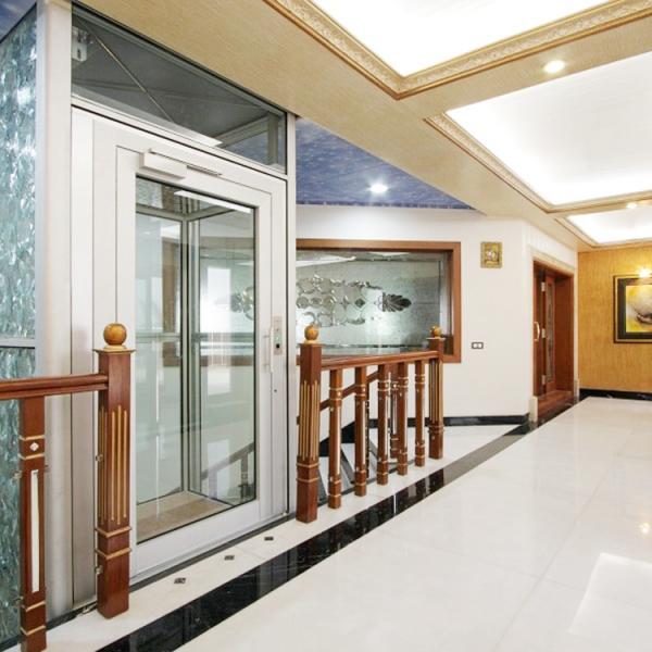 Le nostre installazioni: ascensore in India